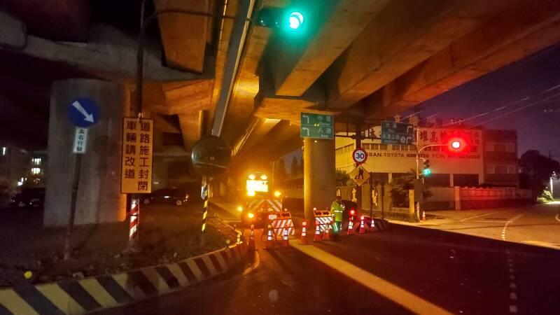 因應施工需要,台66快速公路東向大溪端往大溪匝道今起至2023年9月長期封閉。(記者李容萍翻攝)