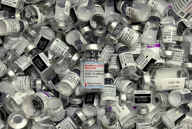鑒於武漢肺炎(新型冠狀病毒病,COVID-19)疫情持續肆虐,美國總統拜登5日表示,支持世貿組織(WTO)豁免疫苗專利的提案,不過此舉也遭到藥廠反彈。(法新社)