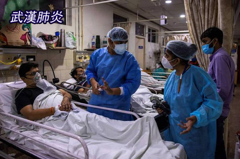 印度一間醫院的住院醫師羅漢·阿格加瓦爾(中)其實尚未完成培訓,卻在疫情急迫下堅守防疫第一線;他無奈說,在資源有限下,他們常常必須選擇先救年輕病患、放棄老年人,直言這讓他們相當痛苦。(路透;本報合成)