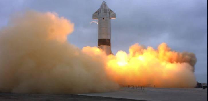 SN15今日試飛後順利降落。(圖片擷取自SpaceX頻道)