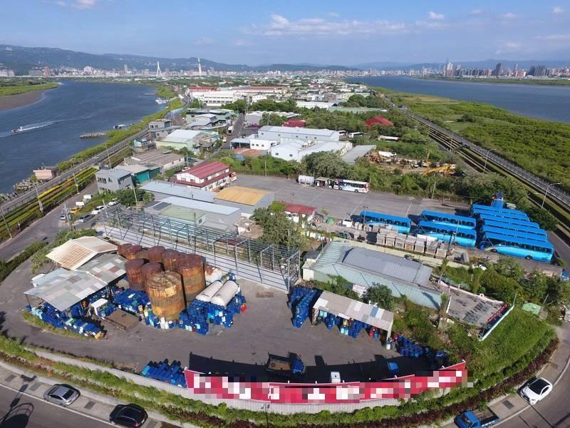 位在淡水河與基隆河間的台北市社子島目前正由市府規劃朝向「生態社子島」開發,卻陷入僵局。(資料照,記者鄭名翔翻攝)