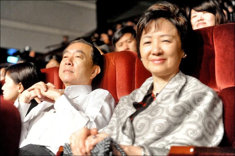 僑委會前委員長焦仁和(左),右為其妻談海珠。(資料照)