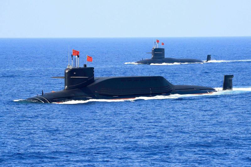 中國海軍「晉級」核潛艦2018年參加南海閱艦式。(路透檔案照)