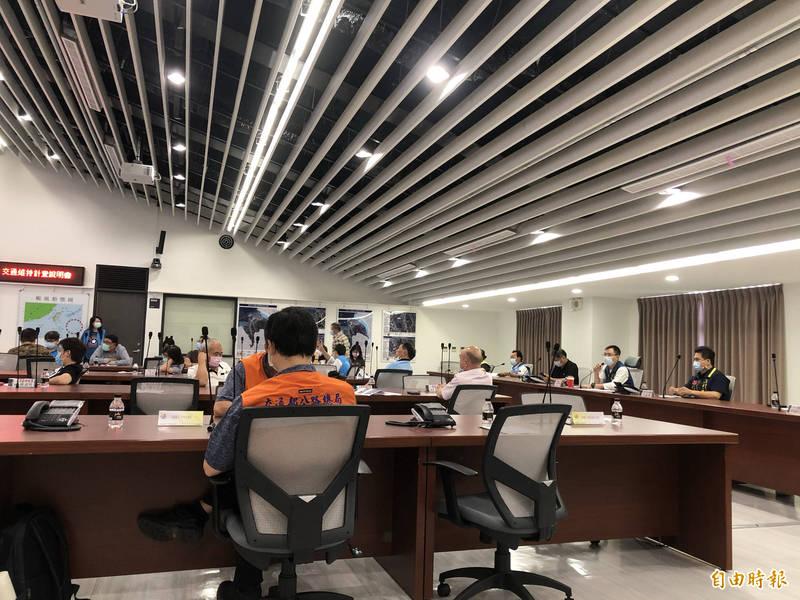 公路總局今與相關單位、地方民代舉辦台64線南向匝道施工交維計畫說明會。(記者周湘芸攝)