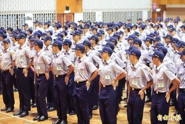110年警察人員特考等3項考試增列需用名額123名,共需2415名。(示意圖)