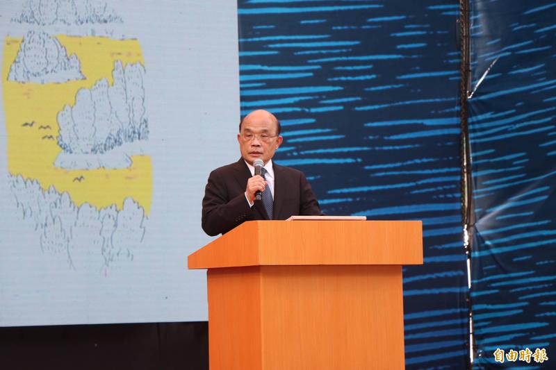 行政院長蘇貞昌出席活動前受訪強調,台灣應該要自立自強,守住民主自由,才不會成為下一個香港。(記者萬于甄攝)