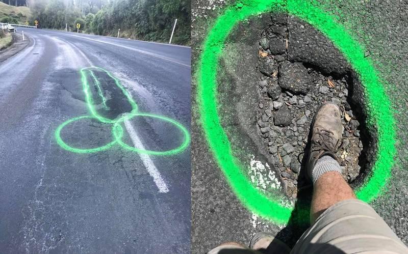 紐西蘭男子「路見不平」,在道路路面留下醒目塗鴉標示。(翻攝自Geoff Upson臉書)