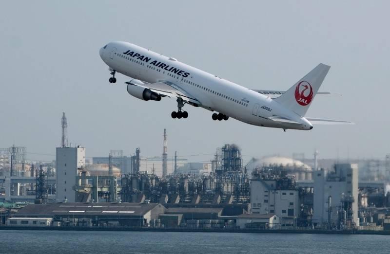 今日抵達松山機場航班為日本航空JL097航班,機上共計76人(含1名小孩),當中有44名是從印度經日本轉機旅客。(法新社)