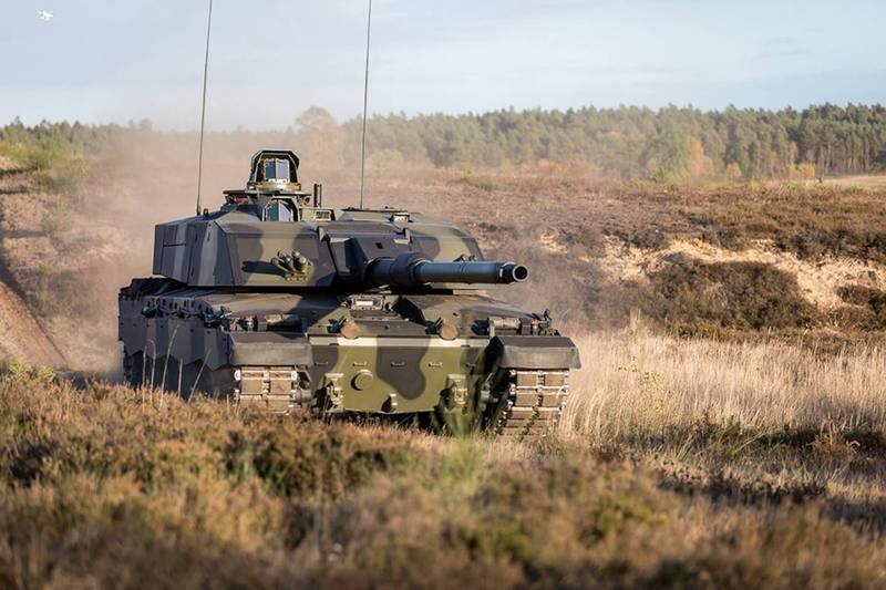 英國國防大臣華勒斯(Ben Wallace)昨日宣布,英國砸8億英鎊(約新台幣310億)購入148輛「挑戰者3式」(Challenger 3)坦克。(翻攝自英國國防部)