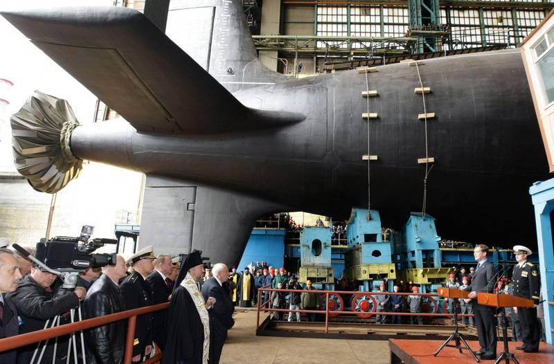 俄羅斯855M型「亞森級」核潛艦「喀山號」正式在俄羅斯海軍中服役。圖為855型艦「北德文斯克號」下水前樣貌。(美聯社)