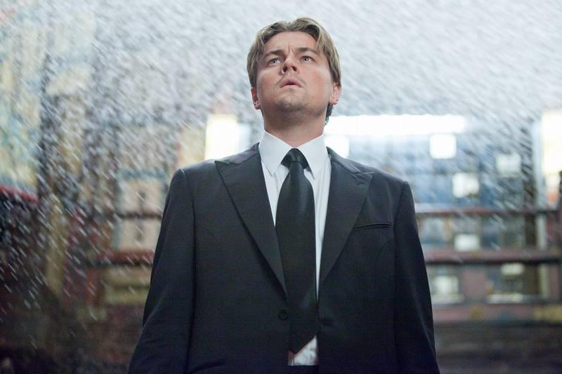 導演諾蘭的電影《全面啟動》劇情燒腦,身受不少影迷喜愛。劇照,圖中人物為男主角李奧納多狄卡皮歐。(華納兄弟提供)