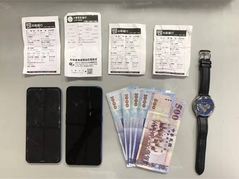 劉姓男子上網低價詐賣iphone 12 pro手機,誤寄健保卡給被害人成了警方破案關鍵。(記者黃良傑翻攝)