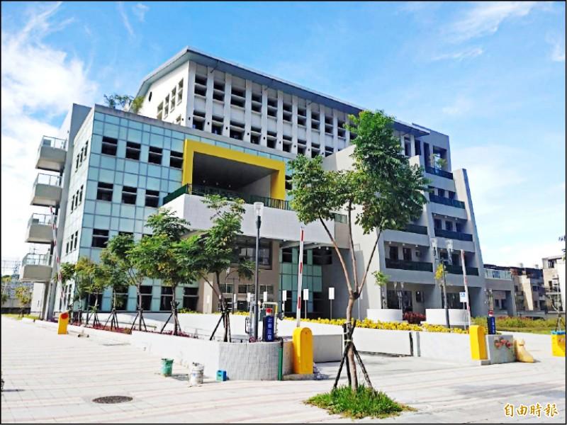 新竹市身心障礙者就業綜合大樓,將於年底啟用。(記者蔡彰盛攝)