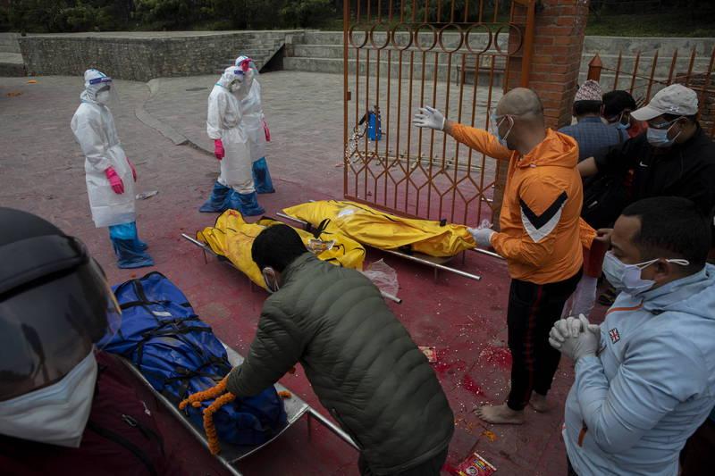 位於印度北方的尼泊爾,近日武漢肺炎疫情嚴重,恐成「迷你印度」。(歐新社)