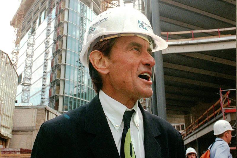 明星級德裔美籍建築師哈恩於芝加哥郊區騎自行車遭車撞,當場死亡,享壽81歲。(美聯社)