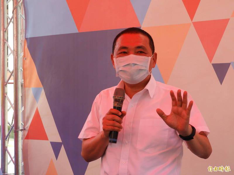 針對2022新北市長選戰民調結果,新北市長侯友宜表示,現在是防疫的關鍵時刻,希望好好做事,守護民眾安全。 (記者賴筱桐攝)