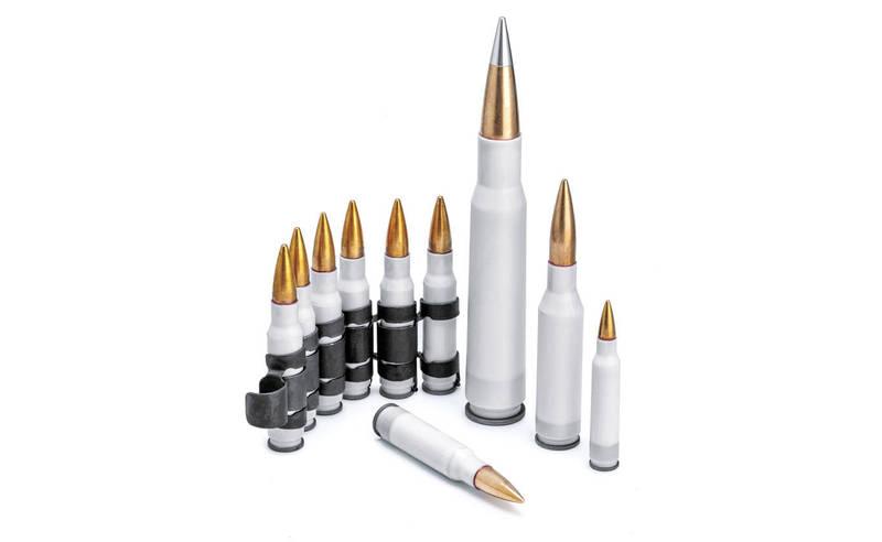 美國海軍陸戰隊發言人佛林表示,未來步兵學校的高級槍手課程以及海陸第1及第2兩棲攻擊營,有望成為首批試用新型塑殼子彈的部隊,該子彈比傳統黃銅子彈輕40%,性能卻能旗鼓相當。(圖翻攝自True Velocity官網)