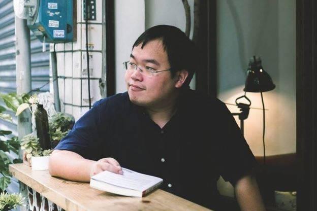 朱宥勳(見圖)以立委費鴻泰近日提到要槍斃衛福部長陳時中的邏輯進行推演,要求造成228事件的國民黨也交出1500人的「名單」。(圖取自臉書「朱宥勳」)