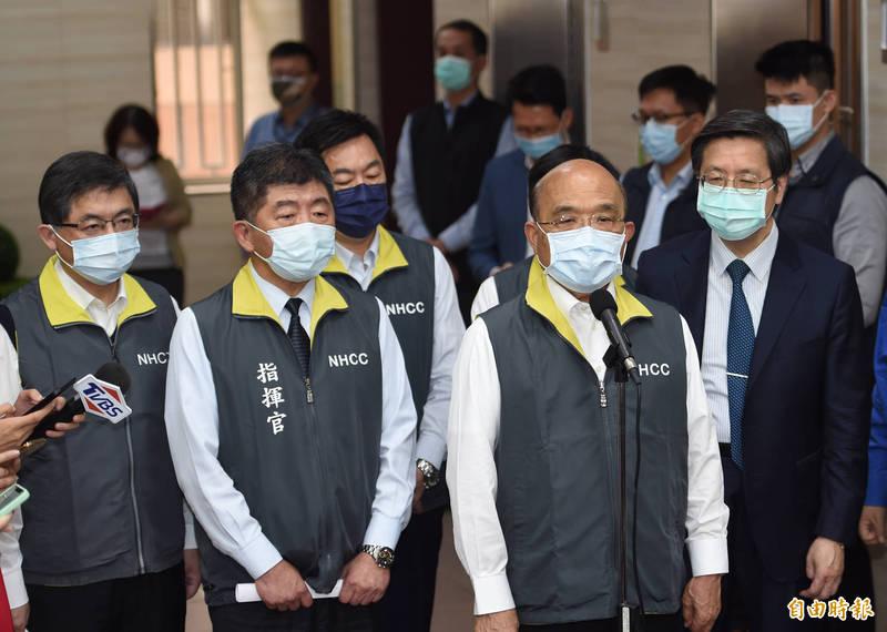 行政院長蘇貞昌坦言「台灣也有新狀況」,並提及台灣過去防疫的好成績可能出現鬆懈,呼籲「大家該收心了」,嚴謹面對新起的疫情。(資料照)