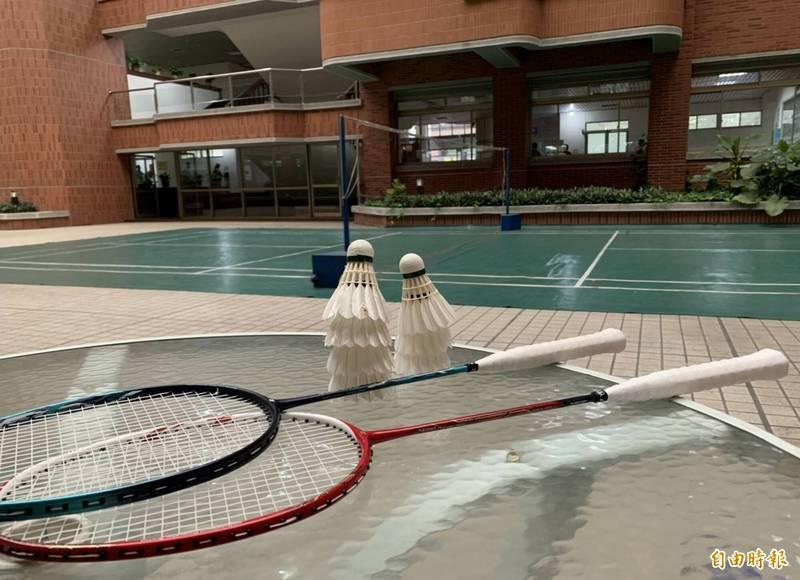 疫情升級,警政署警察節桌球、籃球賽首度因疫情取消,彰化縣警局自辦的羽球賽也宣布延期,警察人員停止集訓。(記者湯世名攝)