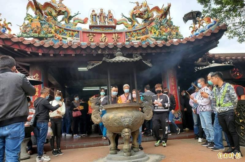 南投縣竹山鎮紫南宮香火鼎盛,也是竹山經典小鎮集章景點之一。(記者謝介裕攝)