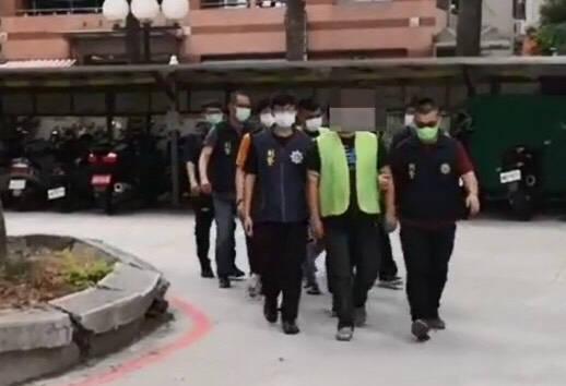 警方將陳男為首的暴力集團檢肅到案。(記者許國楨翻攝)