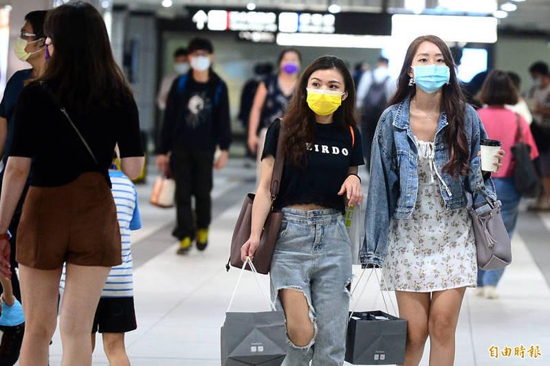 法務部長蔡清祥12日表示,若有未戴口罩挨罰拒繳的案件,則請「專人專股」強力執行追討。(資料照)