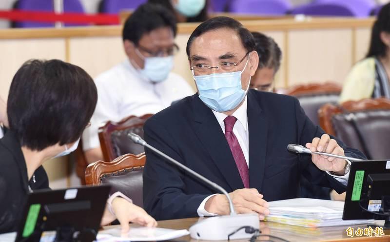 法務部長蔡清祥今被問到未來在國會若遇到傅崐萁質詢,是否會感到尷尬時直言「不會」。(記者廖振輝攝)