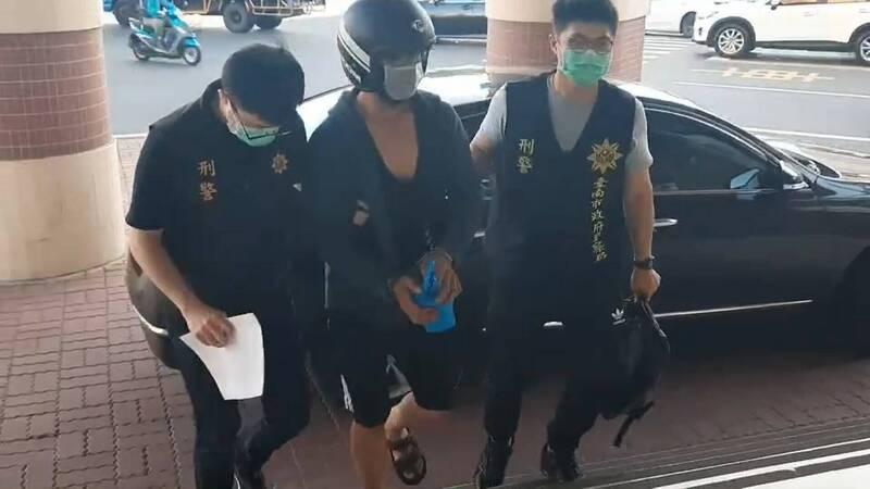 梁姓男子在高雄、台南兩地犯下多件夾娃娃機竊案,他的犯案足跡被掌握後,急忙向警方辯解,他沒去找「前女友」。(警方提供)