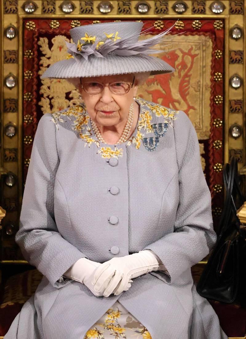 女王伊莉莎白二世親自回覆9歲男童慰問卡片。(法新社)