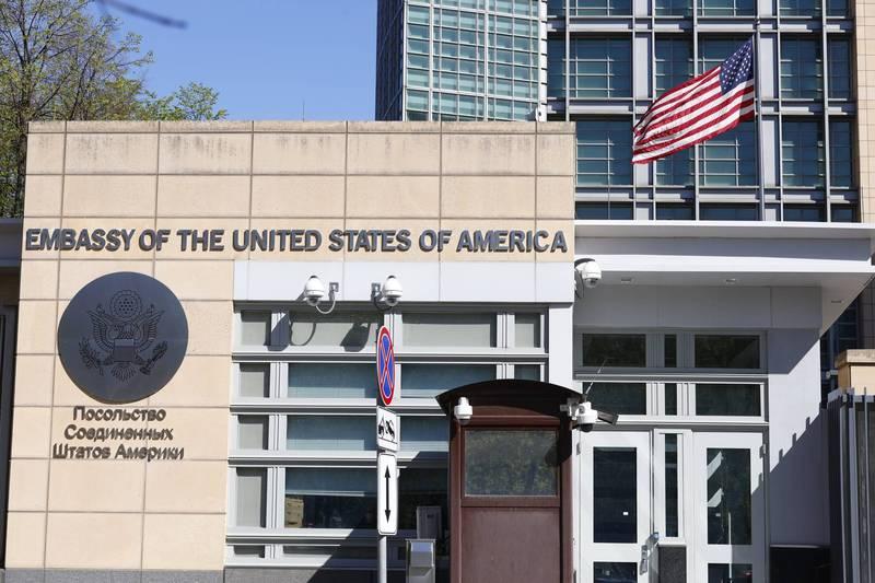 俄羅斯政府今日將10名美國外交人員列為不受歡迎人物。圖為美國駐莫斯科大使館。(美聯社)