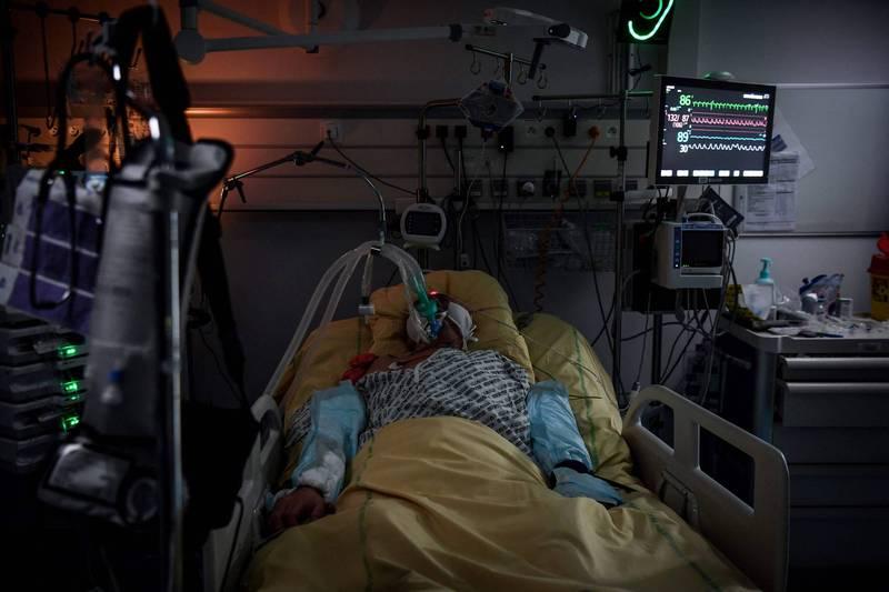 那塔雷曾因染疫「死亡數分鐘」,並表示真的有看見許多人說過的「隧道盡頭的光」。示意圖。(法新社)