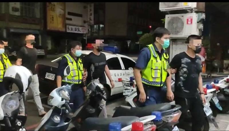 慶生趴變打群架,警逮4名鬧事傷人的犯嫌。(記者黃佳琳翻攝)