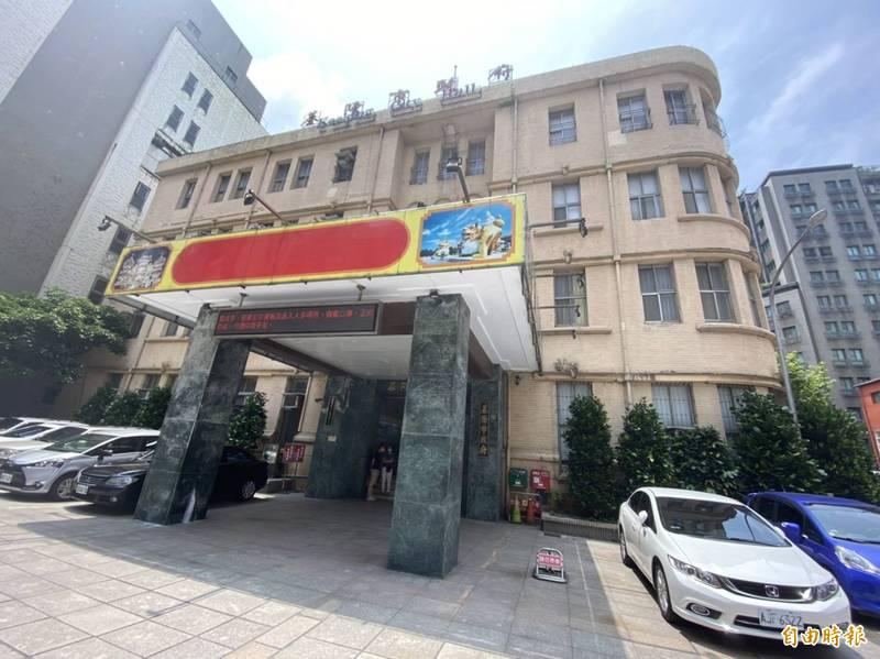 針對中央流行疫情指揮中心宣布將新北市、台北市列為三級防疫區域,北北基共同生活圈的基隆市如何因應;據了解,基隆市政府目前正在討論中。(記者俞肇福攝)