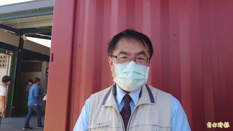 台南市長黃偉哲宣布台南進入「準3級」防疫,各類娛樂場所即日起停止營業。(記者洪瑞琴攝)