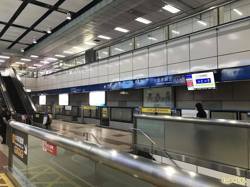 北捷呼籲民眾,搭乘捷運一定要戴口罩。(資料照)