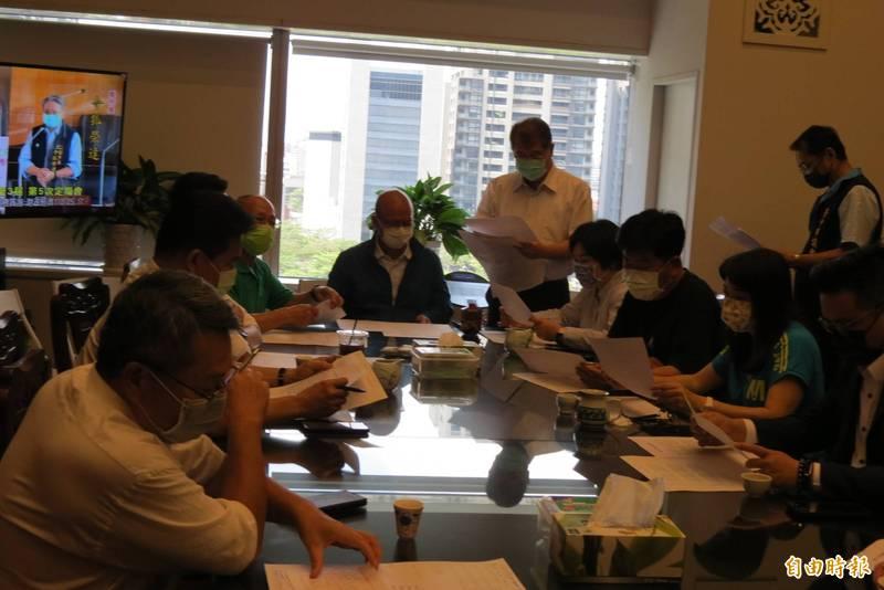 中市議會今天朝野協商將從明天起停會兩週(記者蘇金鳳攝)