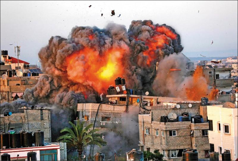 以色列連日轟炸加薩走廊,許多民宅也不幸成為目標。(法新社)