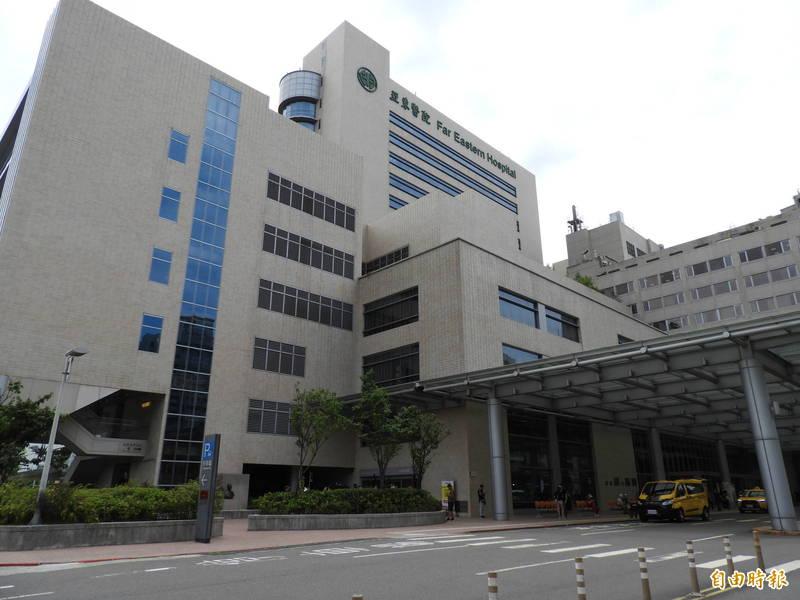 亞東醫院院內群聚感染案其中一名確診者死亡,死者為高齡86歲男性且患有多重慢性疾病。(記者賴筱桐攝)