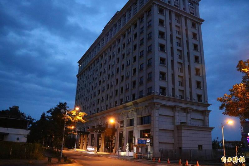 疫情衝擊,中天溫泉飯店,決定休業至5月底。(記者蔡昀容攝)