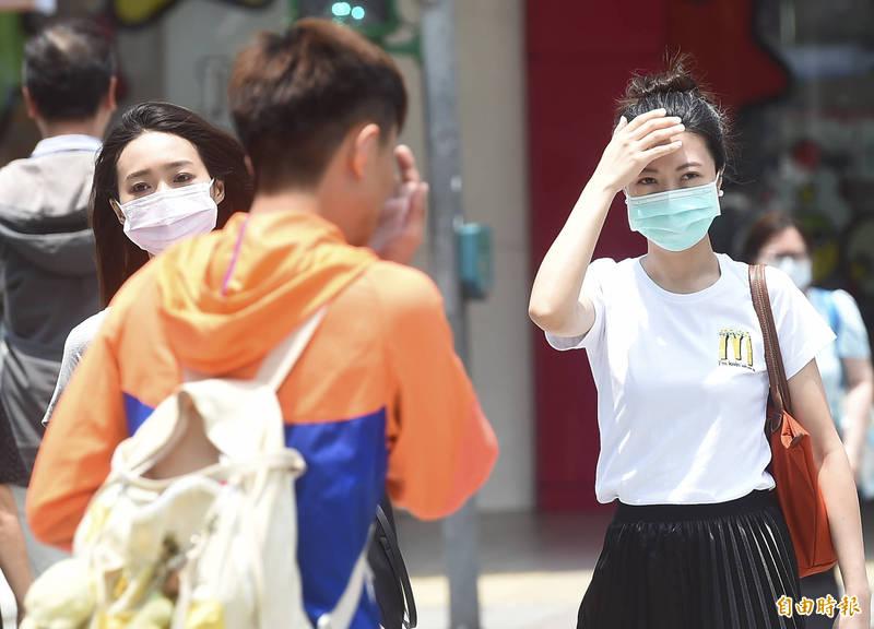 中央氣象局指出,今天(19日)天氣較昨天穩定,而中南部仍是晴朗炎熱。(資料照)