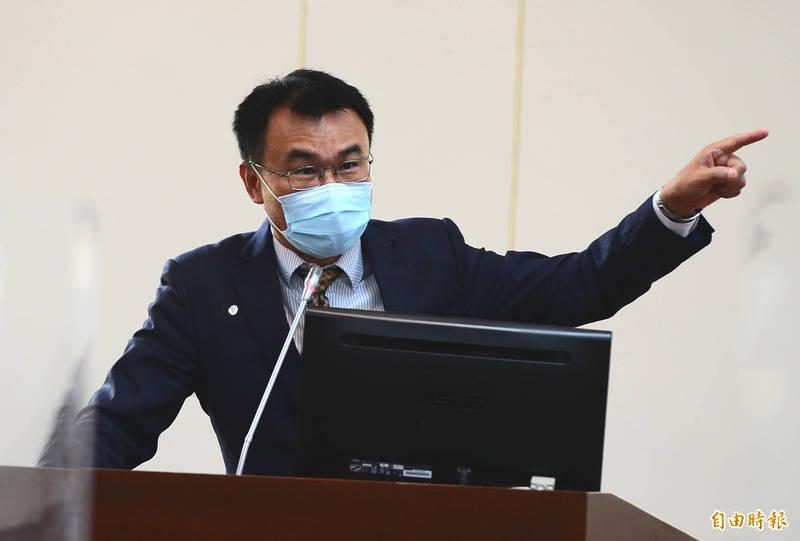 立法經濟政委員會,邀請農委會主委陳吉仲做業務報告並備詢。(記者王藝菘攝)