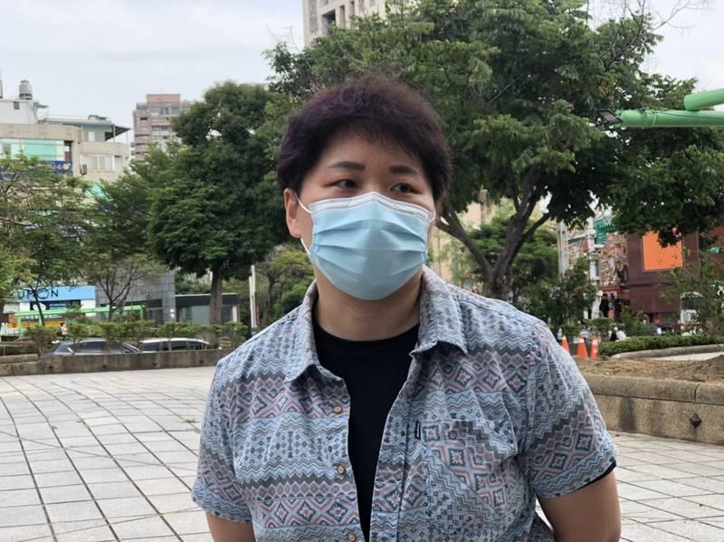 響應台北市政府醫護號召令,有15年護理師經驗的洪毓涵報名參加。(圖由讀者提供)