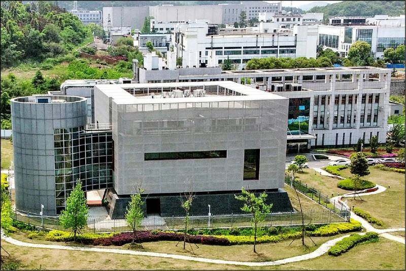 圖為中國科學院武漢病毒研究所轄下生物安全等級最高的P4實驗室,被外界懷疑引爆武漢肺炎疫情的新冠病毒最早可能從此外洩。(法新社檔案照)