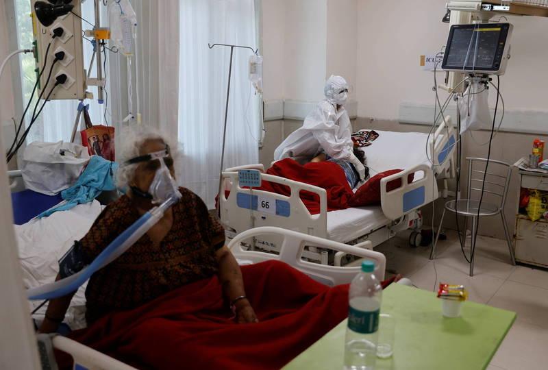 印度武漢肺炎疫情嚴峻,卻傳出醫院人員「性侵」女病患。示意圖。(路透)