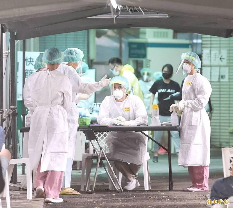 [問卦] 進疫苗,不考慮引進施打疫苗的護理師嗎?