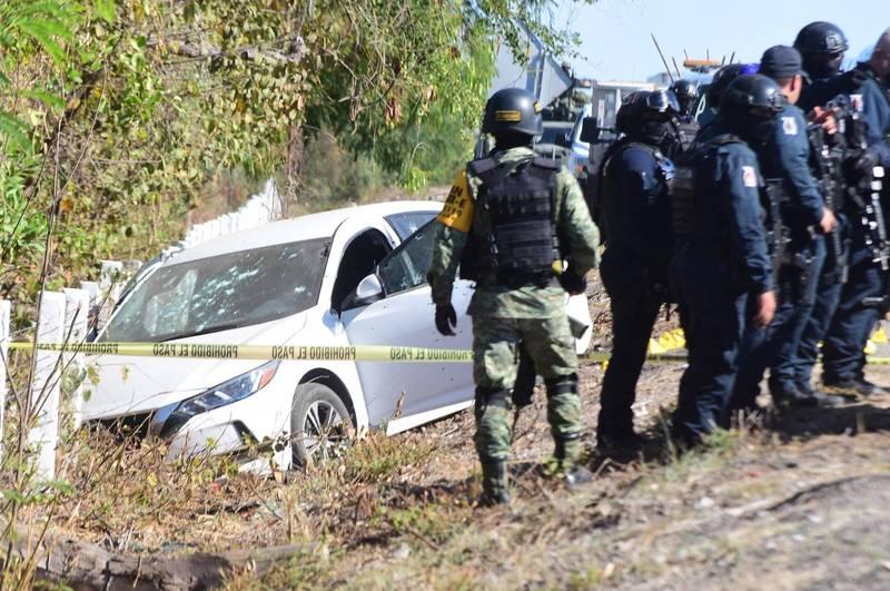 墨西哥錫那羅亞州的州警負責人索托(Joel Ernesto Soto),於公路上遭到歹徒開槍伏擊身亡。(歐新社)