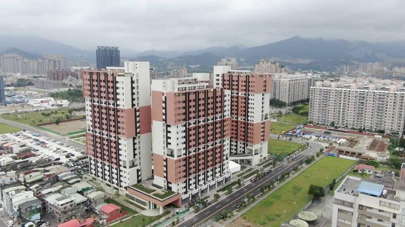 新北市新店央北社會住宅釋出共64戶、84間房,提供醫護人員作為休息站。(城鄉發展局提供)