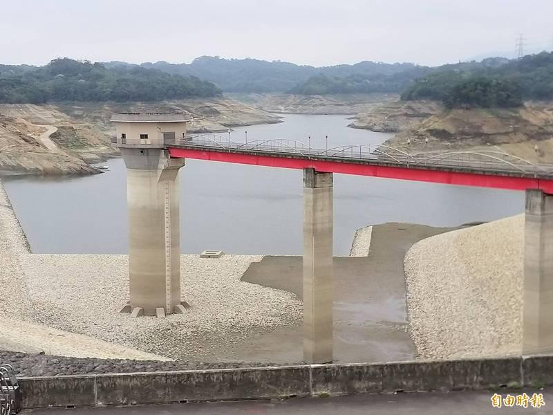 攸關新竹地區是否限水的這場梅雨,經濟部水利署統計,總共為新竹縣寶山及寶二水庫系統帶來累計降雨量122.3毫米,預估可進帳約286萬立方公尺的水!圖為寶二水庫(記者廖雪茹攝)