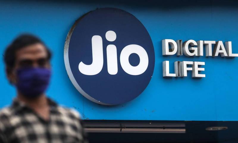 Google宣佈要與印度最大電信商Jio合作,共同研發一款價格低廉的5G智慧型手機。(歐新社)